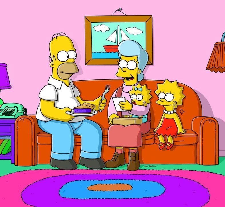 Die Simpsons stellen erschreckend fest, dass jemand in ihr Haus eingebrochen hat. Tatsächlich hat sich nur Homers (l.) Mutter Mona (2.v.l.), die ja... - Bildquelle: und TM Twentieth Century Fox Film Corporation - Alle Rechte vorbehalten