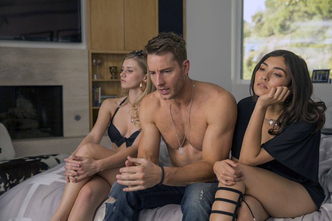 Kevin (Justin Hartley, M.) ist ein Schauspieler und Playboy, der mit seiner Rolle in einer Sitcom hadert. Seine Zwillingsschwester Kate ist das gena... - Bildquelle: Ron Batzdorff 2016-2017 Twentieth Century Fox Film Corporation.  All rights reserved.   2017 NBCUniversal Media, LLC.  All rights reserved.