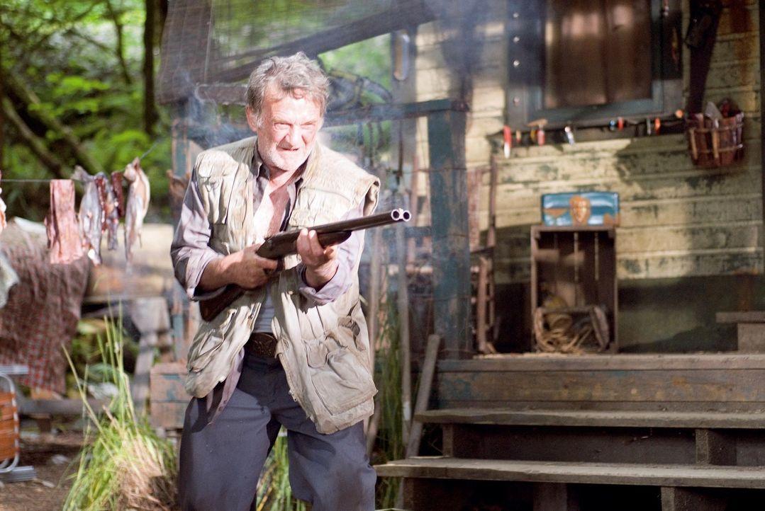 Der alte Mann (Wayne Robson) merkt zu spät, dass er hochexplosiv ist ...
