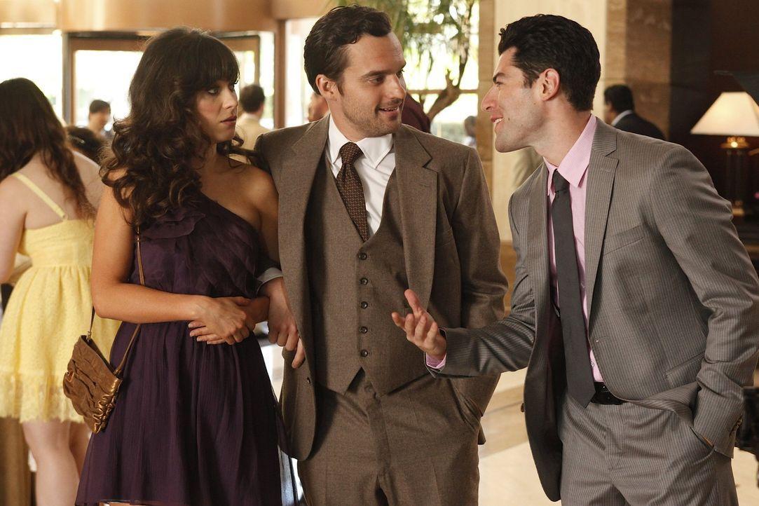 Schmidt (Max Greenfield, r.), Nick (Jake M. Johnson, M.) und Winston sind zu der Hochzeit eines gemeinsamen Freundes eingeladen. Da Nick Angst hat,... - Bildquelle: 20th Century Fox
