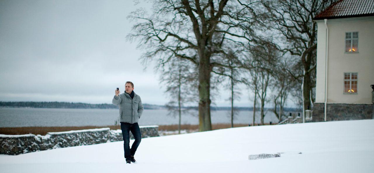 Schon bald stößt Mikael Blomkvist (Daniel Craig) auf eine Mordserie, die sich von der Vergangenheit bis in die Gegenwart zieht ... - Bildquelle: Sony Pictures Television Inc. All Rights Reserved.