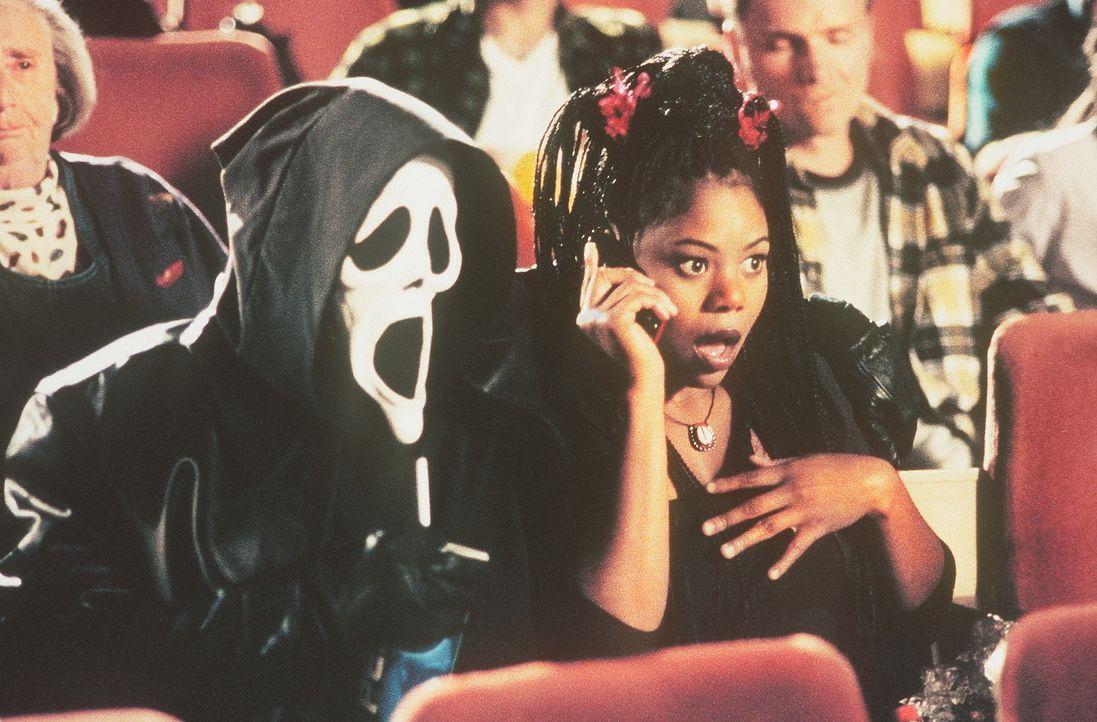 Am Kinoabend muss Brenda (Regina Hall) hautnah erfahren, dass Realität und Scheinwelt oft nicht weit auseinander liegen ... - Bildquelle: Highlight Film