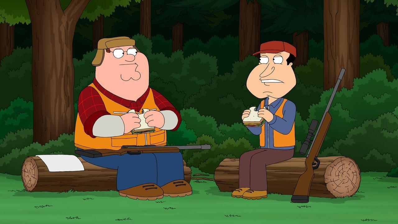 Weil Peter (l.) im Spaß Quagmire (r.) in den Arm geschossen hat, geraten sie in einen handfesten Streit ... - Bildquelle: 2014 Twentieth Century Fox Film Corporation. All rights reserved.