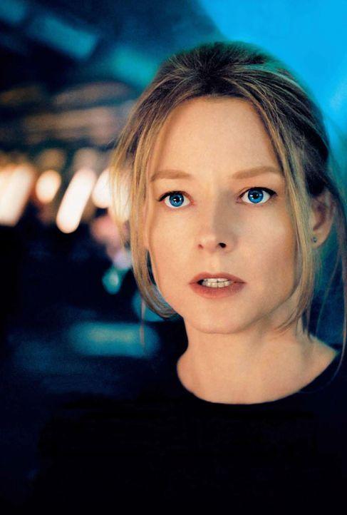 Auf ihr Drängen hin wird das ganze Flugzeug nach ihrer Tochter durchsucht. Kyle (Jodie Foster) wird dennoch das Gefühl nicht los, dass sie weder v... - Bildquelle: Touchstone Pictures.  All rights reserved
