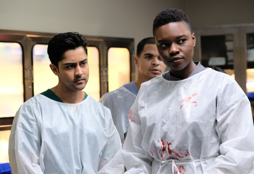 Dr. Devon Pravesh (Manish Dayal, l.); Dr. Mina Okafor (Shaunette Renée Wilson, r.) - Bildquelle: 2018-2019 Twentieth Century Fox Film Corporation.  All rights reserved.
