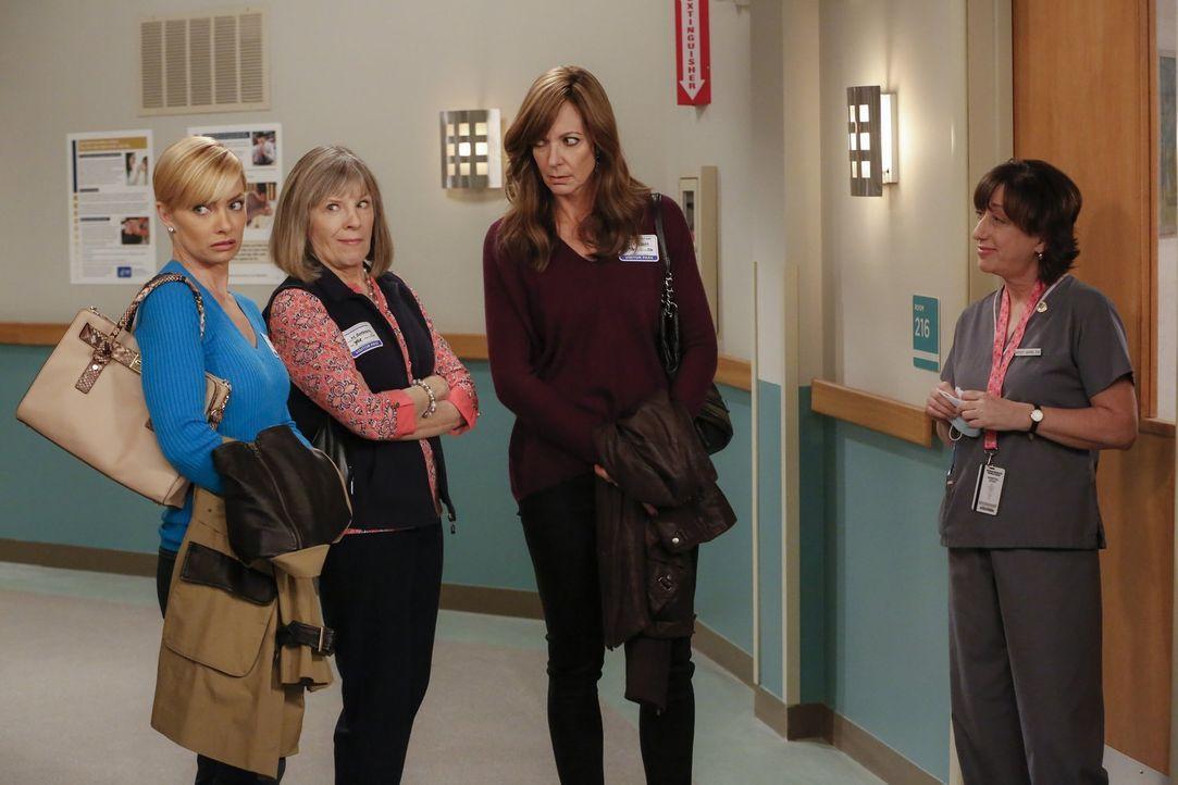 Als Christy sich nach einem Ohnmachtsanfall im Krankenhaus wiederfindet, will sie sofort wieder gehen und zu ihrer Abschlussprüfung fahren. Doch Jil... - Bildquelle: 2015 Warner Bros. Entertainment, Inc.
