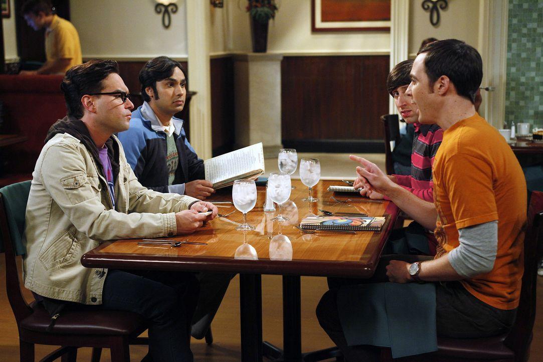 Gute Freunde: Raj (Kunal Nayyar, 2.v.l.) Sheldon (Jim Parsons, r.), Leonard (Johnny Galecki, l.) und Howard (Simon Helberg, 2.v.r.) ... - Bildquelle: Warner Bros. Television