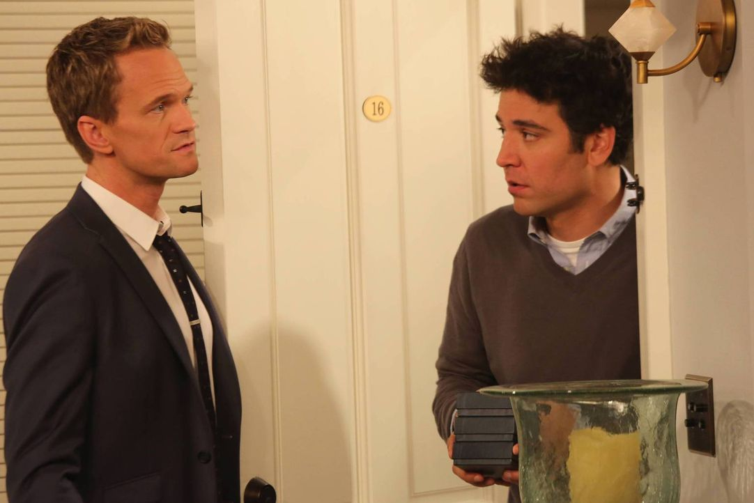 Barney (Neil Patrick Harris, l.) versucht seine Wut auf Ted (Josh Radnor, r.) zu verarbeiten, nachdem er herausgefunden hat, dass Ted immer noch Gef... - Bildquelle: 2013 Twentieth Century Fox Film Corporation. All rights reserved.