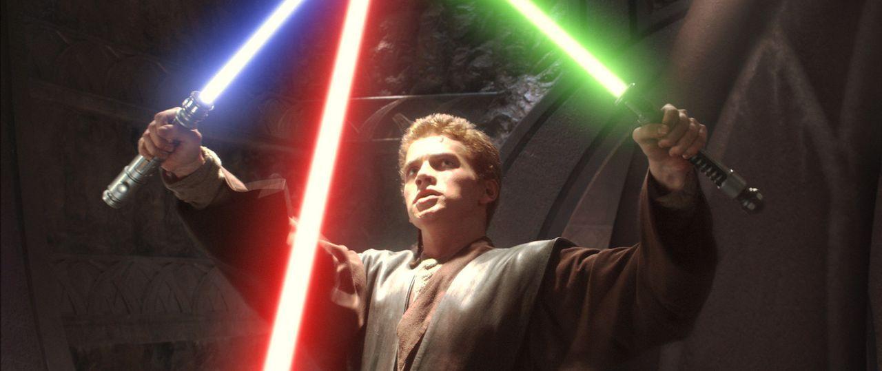 Obi-Wan und Anakin (Hayden Christensen) entdecken recht schnell, dass mehr als nur ein simpler Mordversuch hinter dem Anschlag auf die Senatorin Ami... - Bildquelle: Lucasfilm Ltd. & TM. All Rights Reserved.