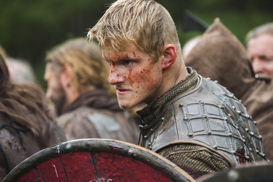 Steht seinem Vater im Kampf gegen Jarl Borg zur Seite: Bjorn (Alexander Ludwig) ... - Bildquelle: 2014 TM TELEVISION PRODUCTIONS LIMITED/T5 VIKINGS PRODUCTIONS INC. ALL RIGHTS RESERVED.