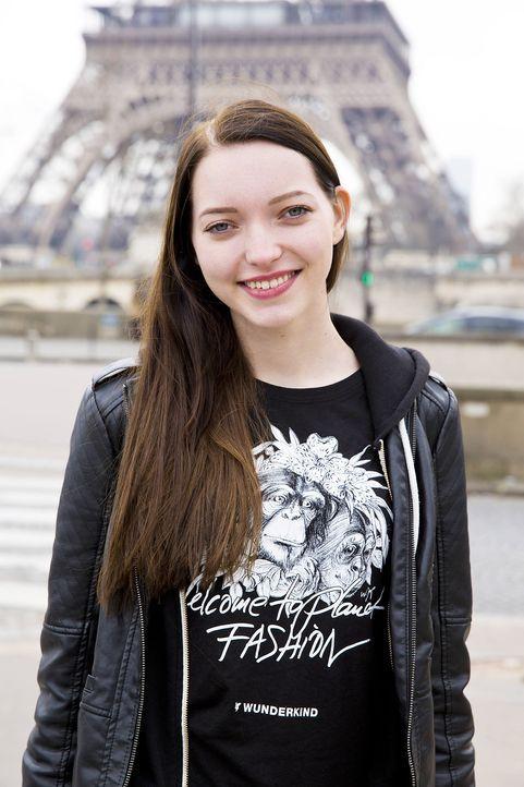 GNTM-Stf10-Epi14-Fashion-Week-Paris-087-Ajsa-ProSieben-Richard-Huebner - Bildquelle: ProSieben/Richard Huebner