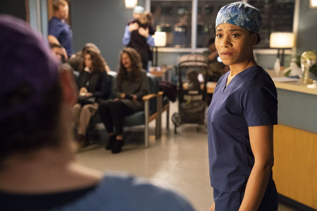Dr. Maggie Pierce (Kelly McCreary) - Bildquelle: Mitch Haaseth ABC Studios