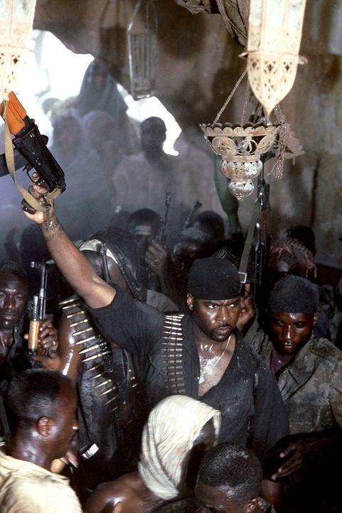 Siegesgewiss: Rebellenführer Mo'alim (Razaaq Adoti) ... - Bildquelle: Columbia Pictures
