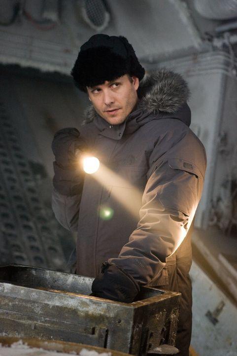 Wer hat den Geologen Anton Weiss getötet? Sonderermittler Robert Pryce (Gabriel Macht) versucht das herauszufinden ... - Bildquelle: Warner Bros.