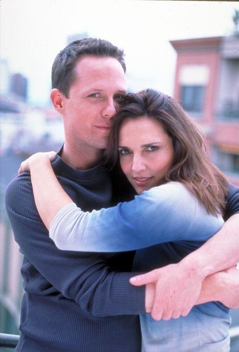 Kirsty Cotton (Ashley Laurence, r.) hat nach dem Massaker vor vielen Jahren, bei dem ihre Eltern und ihr Onkel umgebracht wurden, wieder ein neues L... - Bildquelle: Miramax Films