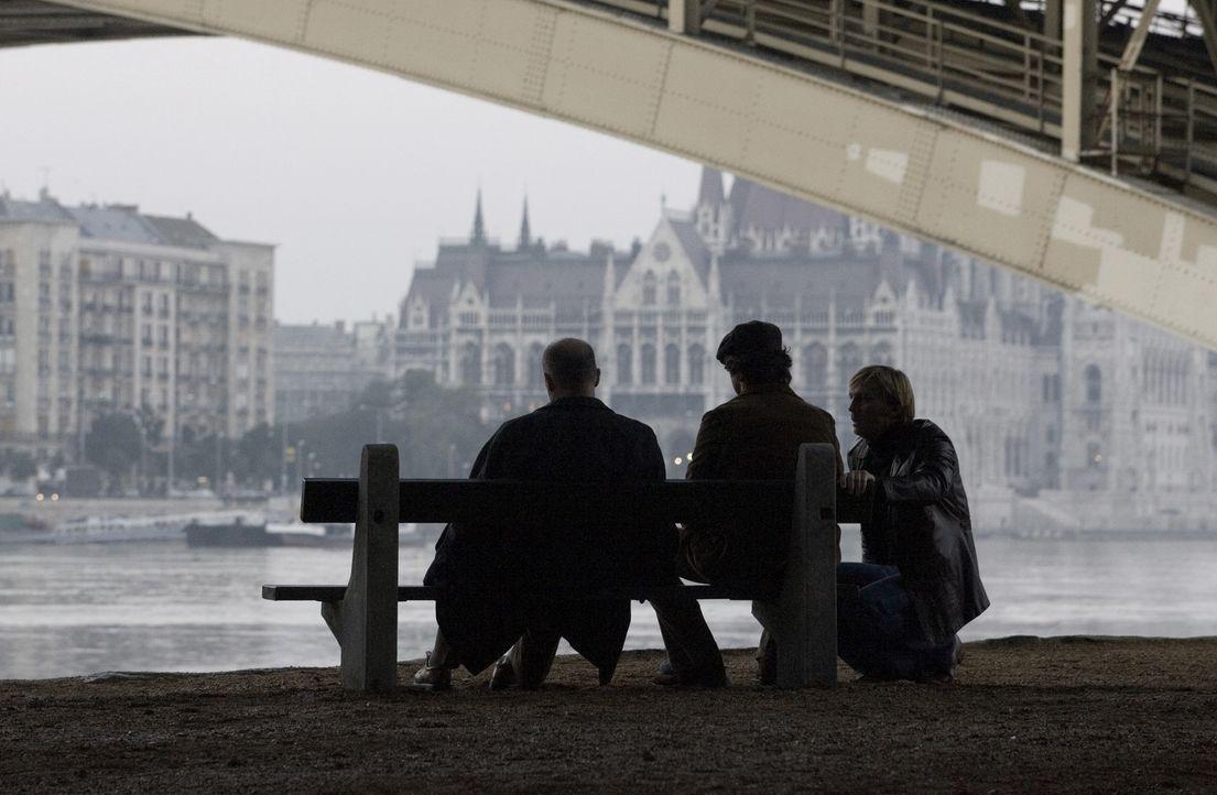 Rund vier Wochen nach den Ereignissen von München war das erste Mossad-Team (v.l.n.r.: Hanns Zischler, Eric Bana und Daniel Craig) einsatzbereit. A... - Bildquelle: 2005 UNIVERSAL STUDIOS and DREAMWORKS LLC.