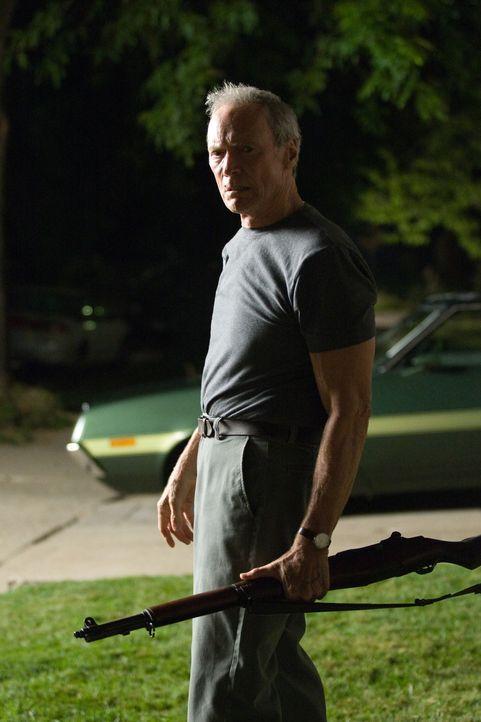 Mit ihm ist nicht zu spaßen: Korea-Veteran und Rassist Walt Kowalski (Clint Eastwood) ... - Bildquelle: Warner Bros