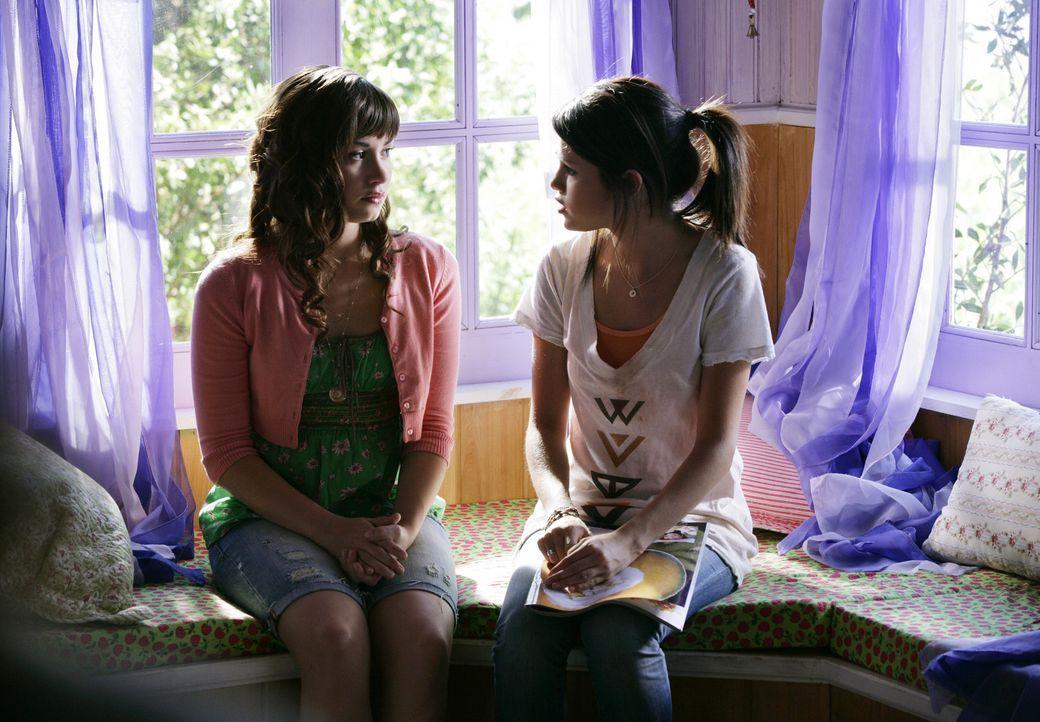 Nach und nach beginnen Rosie (Demi Lovato, l.) und Carter (Selena Gomez, r.) Verständnis füreinander aufzubringen. Auch einer echten Freundschaft... - Bildquelle: Disney