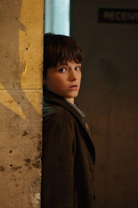 Geht gemeinsam mit Rexx auf Brandstifterjagd: Shane (Josh Hutcherson) ... - Bildquelle: New Regency Productions, Inc.