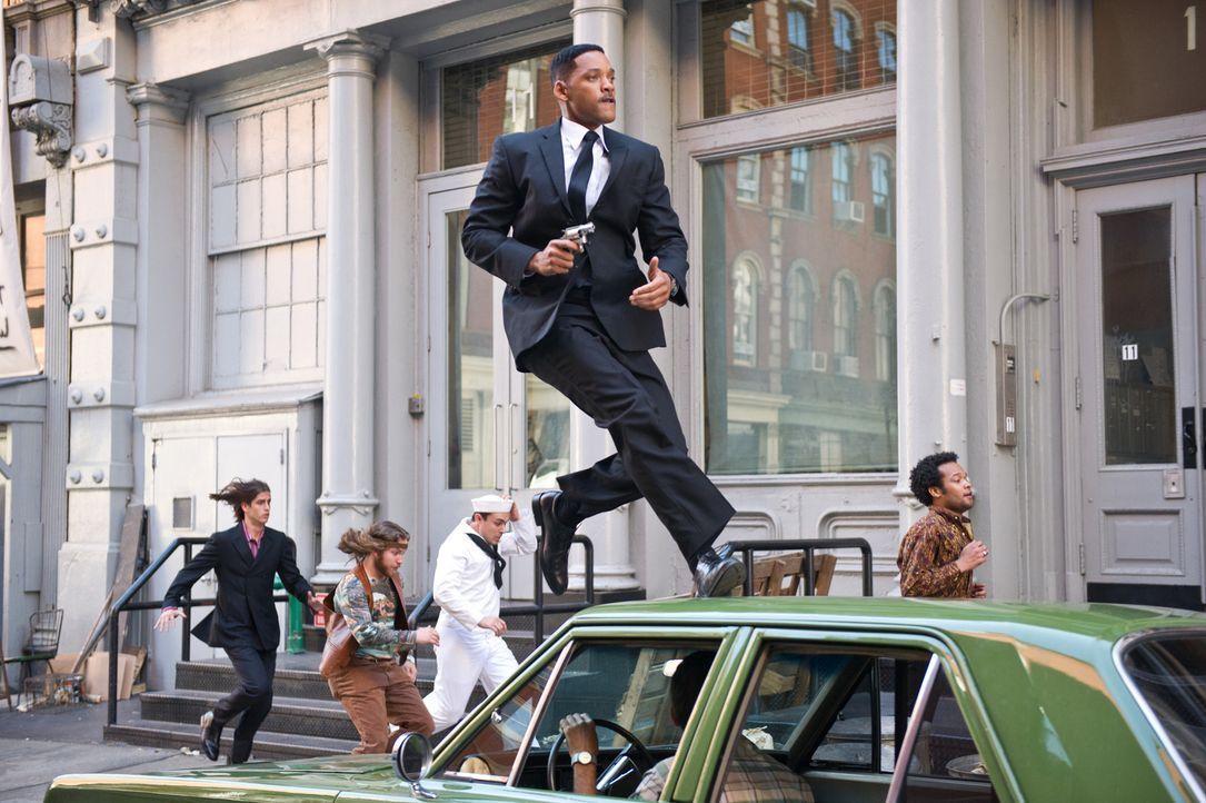 Muss sich kräftig sputen, weil das Schicksal der kompletten Menschheit auf dem Spiel steht: Agent Jay (Will Smith) muss eine Zeitreise in die Vergan... - Bildquelle: Wilson Webb 2012 Columbia Pictures Industries, Inc.  All rights reserved.
