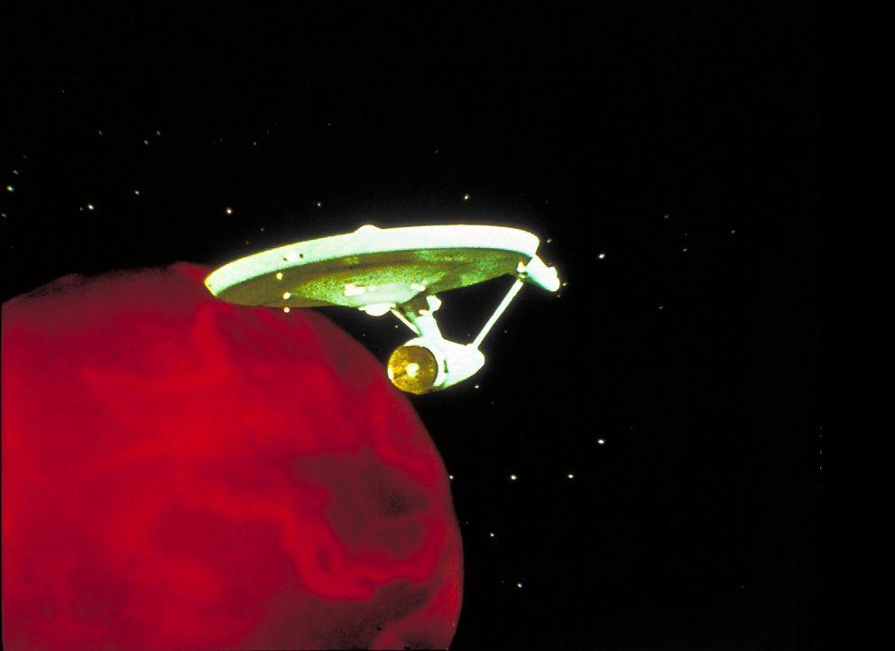 Eine Energiewolke befindet sich auf Kollisionskurs mit der Erde. Das einzige Schiff, das in der Lage ist, diese zu stoppen ist die U.S.S. Enterprise ? - Bildquelle: Paramount Pictures