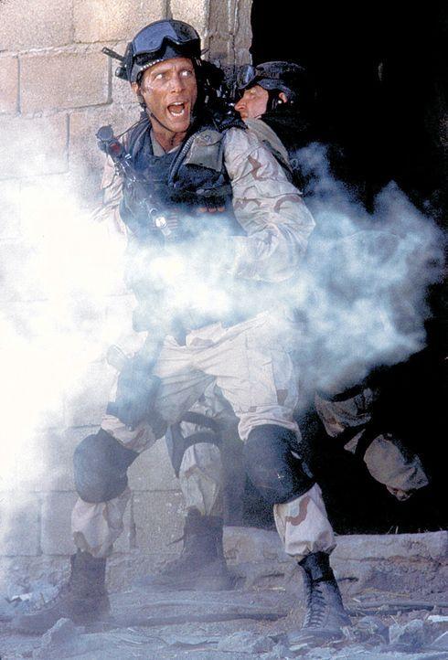 Mogadischu 1993. Bei einem Einsatz gegen den machthungrigen Clan-Chef Aidid werden zwei US-Hubschrauber abgeschossen und rund 100 versprengte amerik... - Bildquelle: Columbia Pictures