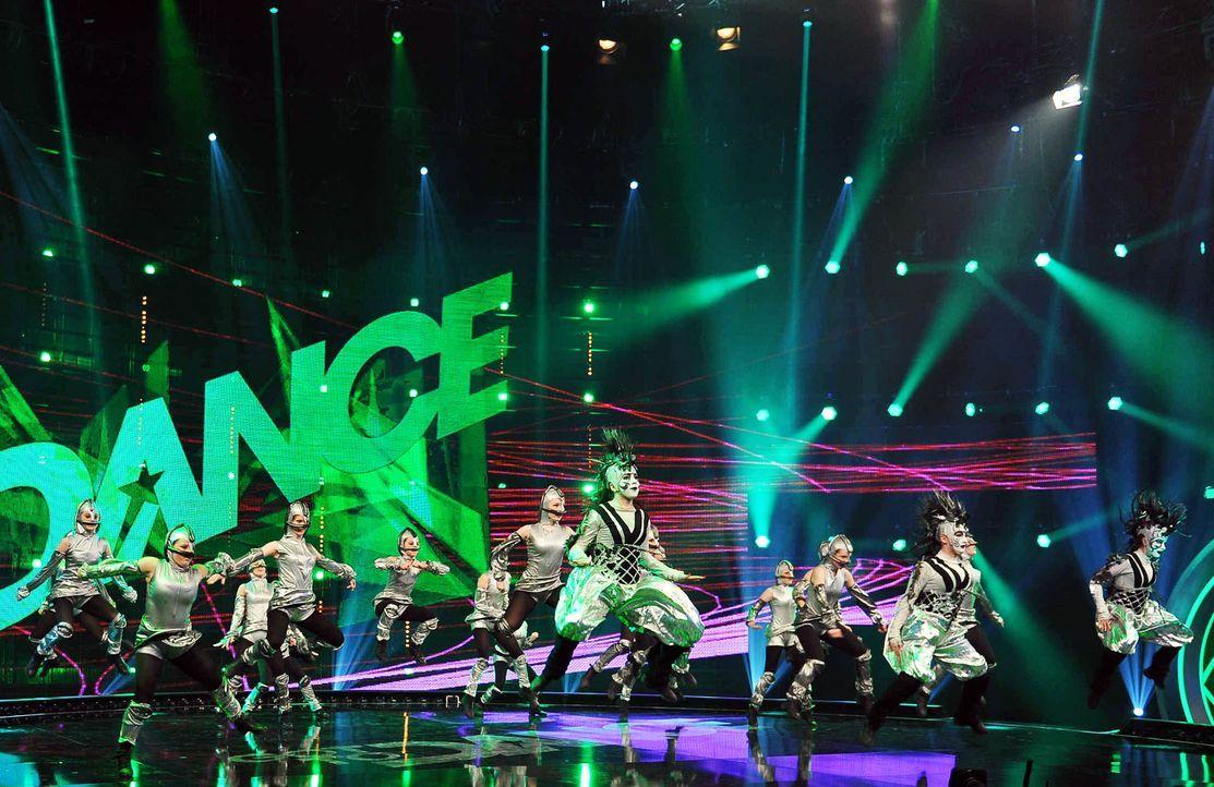 Got-To-Dance-Kosmosgruppe-12-SAT1-ProSieben-Willi-Weber - Bildquelle: SAT.1/ProSieben/Willi Weber