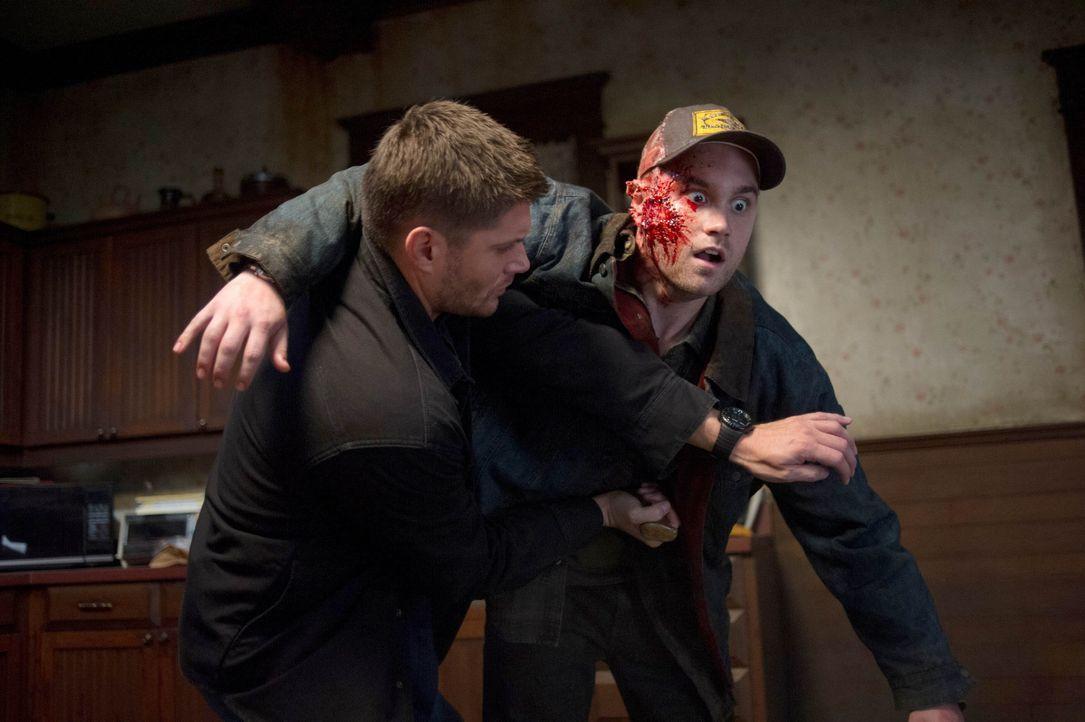 Dean (Jensen Ackles, l.) hätte nie erwartet, wer tatsächlich im Besitz der ersten Klinge ist ... - Bildquelle: 2013 Warner Brothers