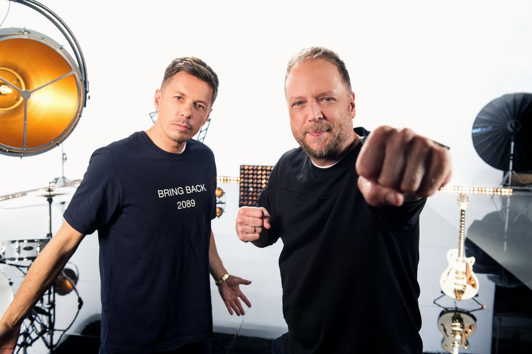 Können Michi Beck (l.) und Smudo (r.) die besten Talente für ihr Team gewinnen? - Bildquelle: Andre Kowalski SAT.1/Andre Kowalski
