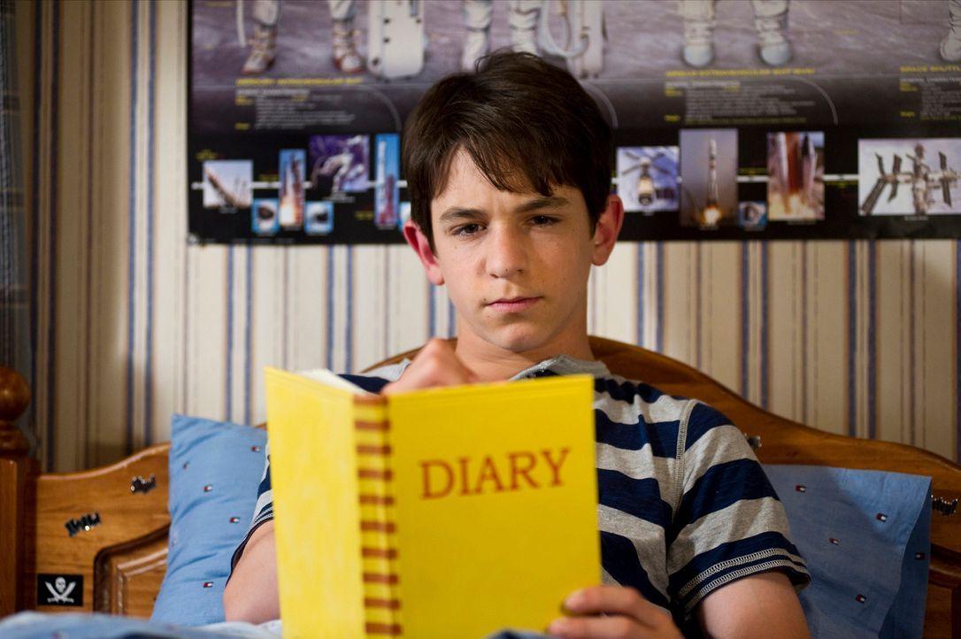 Hält seine Streiche akribisch im Tagebuch fest: Greg (Zachary Gordon) ... - Bildquelle: 2012 Twentieth Century Fox Film Corporation. All rights reserved.