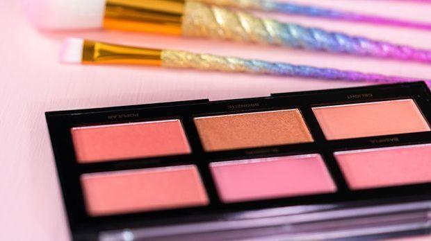 Worauf kommt es beim Make-up Trend – dem Mod-Look – an? Wir verraten dir auf...