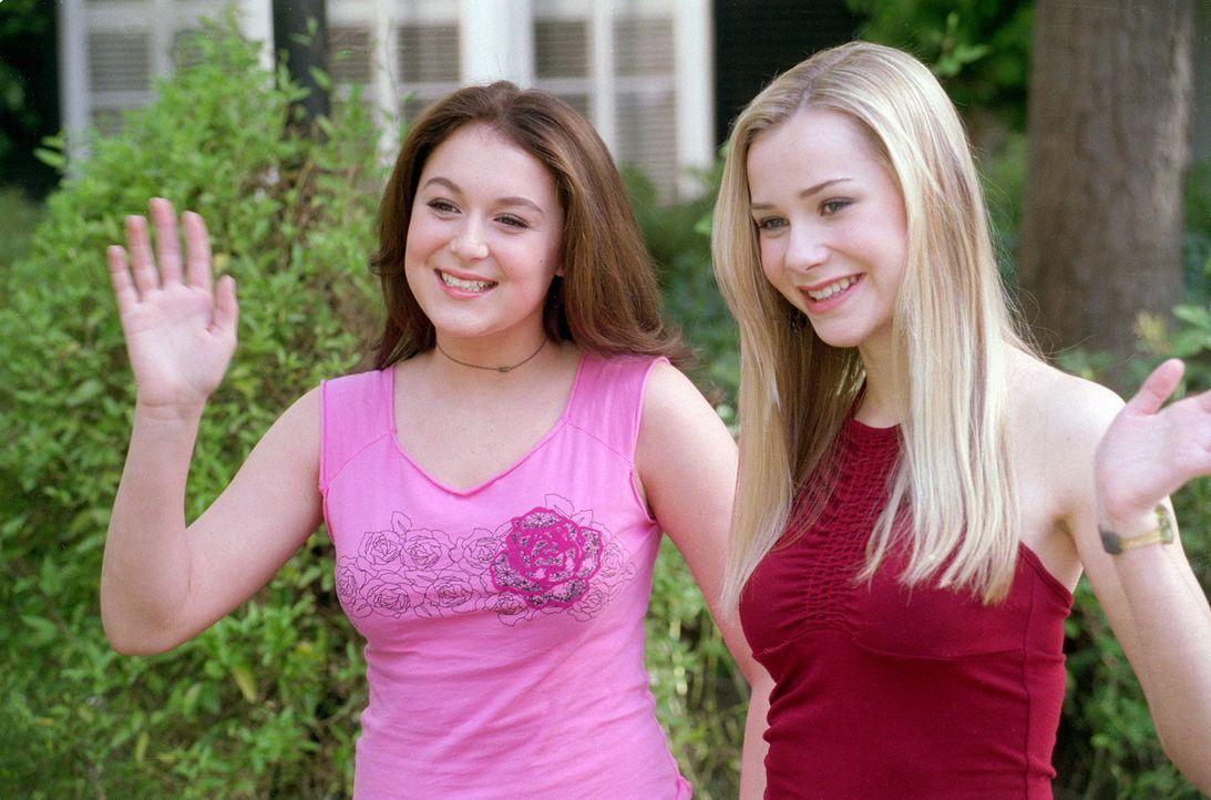 Die Außenseiterin Julie (Alexa Vega, l.) möchte am Abend bevor ihre beste Freundin Hannah (Mika Boorem, r.) die Stadt verlässt, mit ihr und zwei... - Bildquelle: 2004 METRO-GOLDWYN-MAYER PICTURES INC. ALL RIGHTS RESERVED.