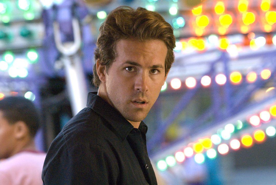 Spielt ein falsches Spiel: Mike (Ryan Reynolds) ... - Bildquelle: Miramax Films. All rights reserved