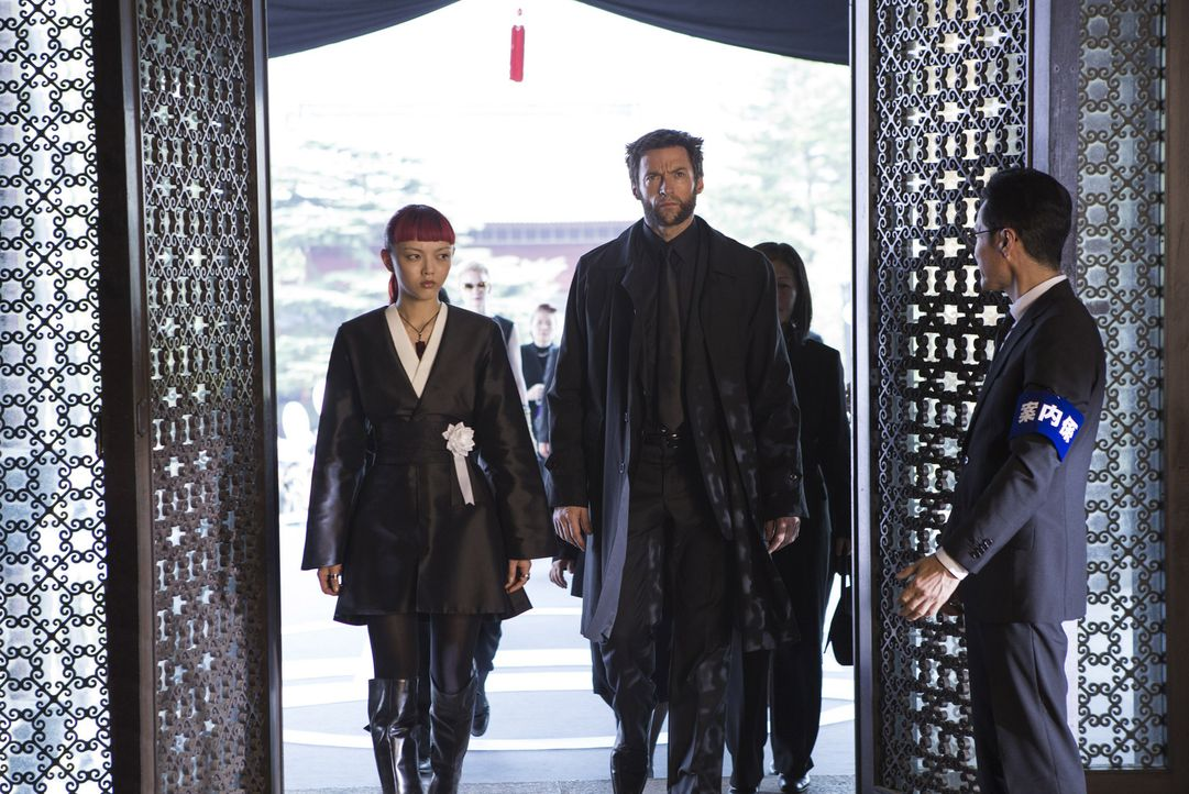 Seit dem Verlust seiner geliebten Jean Grey sieht Logan (Hugh Jackman, M.) keinen Sinn mehr in seinem Leben und erlebt seine Unsterblichkeit als Flu... - Bildquelle: Ben Rothstein 2013 Twentieth Century Fox Film Corporation. All rights reserved.