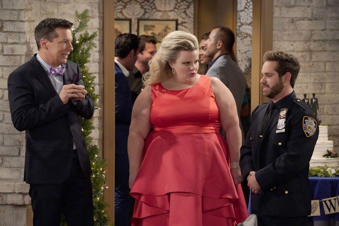 Als Jack (Sean Hayes, l.) sich auf Drew (Ryan Pinkston, r.) einlässt, glaubt der Polizist sofort, sich in Jack verliebt zu haben. Doch dann taucht p... - Bildquelle: ProSieben (Komm./PR) 2017 NBCUniversal Media, LLC