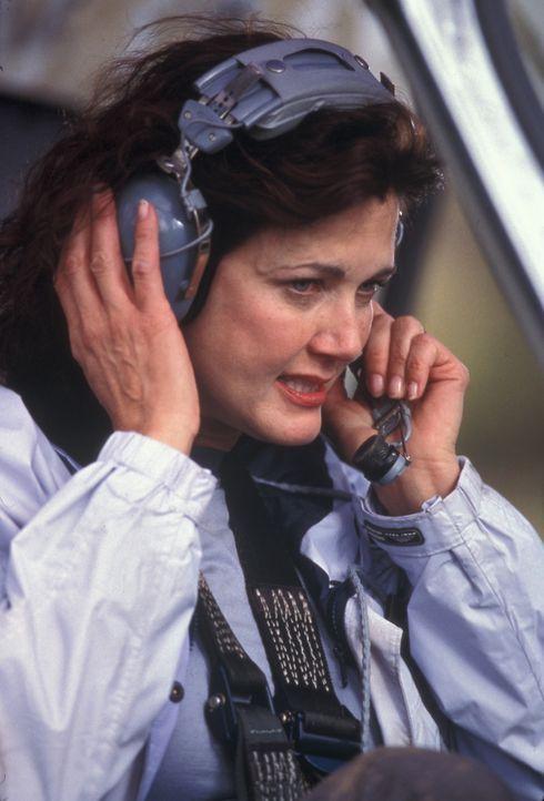 Wird vom Vulkanausbruch überrascht. Expertin Janet Fraser (Lynda Carter) ... - Bildquelle: Regent Entertainment