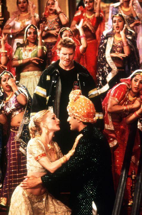 Nehmen es mit den Neurosen der New Yorker Highclass auf: der indische Tanzlehrer Ramu Gupta (Jimi Mistry, r.) und Pornostar Sharonna (Heather Graham... - Bildquelle: Universal Pictures
