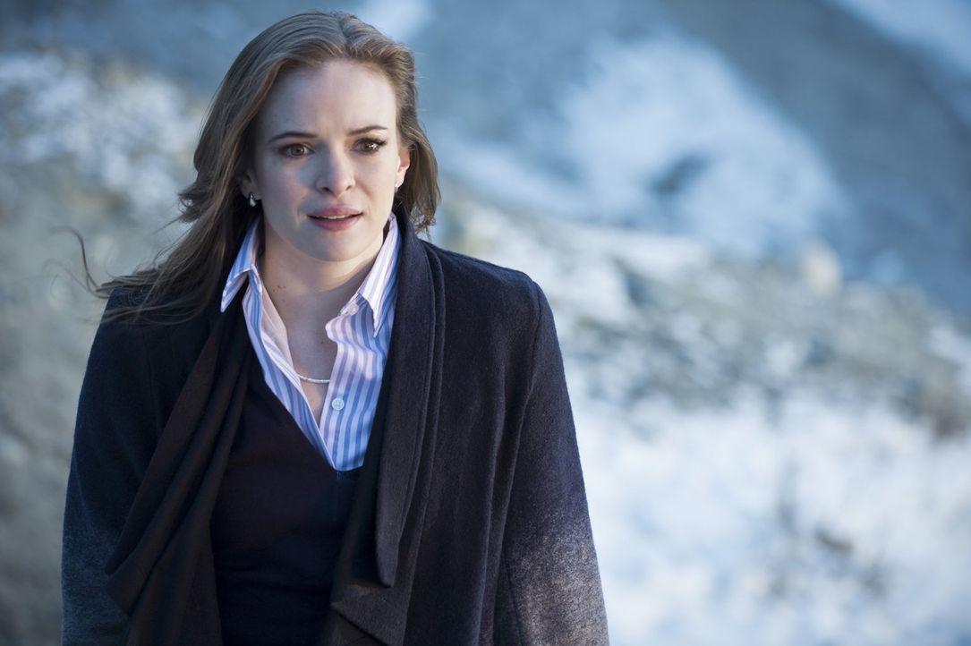 Caitlin (Danielle Panabaker) ist entsetzt, als ihr bewusst wird, dass sie Ronnie jetzt wirklich für immer verlieren könnte ... - Bildquelle: Warner Brothers.