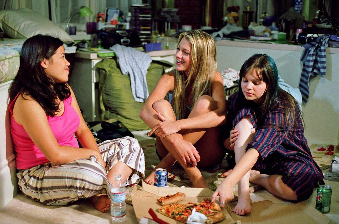 Die schüchterne Lena, die zynische Tibby (Amber Tamblyn, r.), die leidenschaftliche Carmen (America Ferrera, l.) und die sportliche Bridget (Blake L... - Bildquelle: Warner Bros.