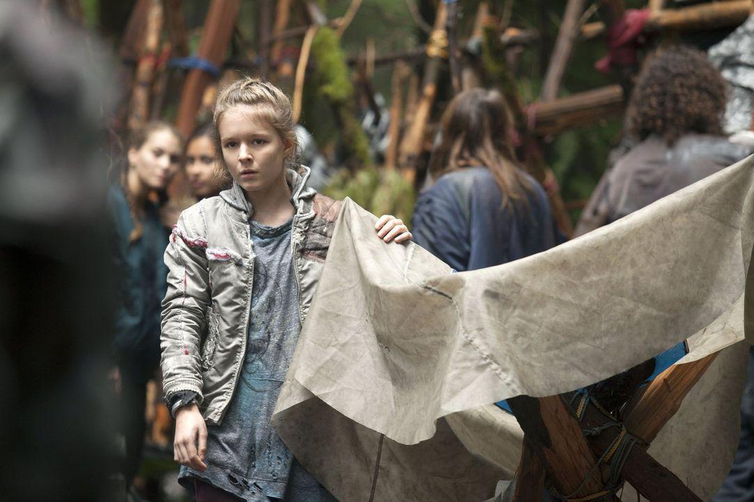 Ihre Taten sorgen für Anarchie im Camp: Charlotte (Izabela Vidovic) ... - Bildquelle: Warner Brothers