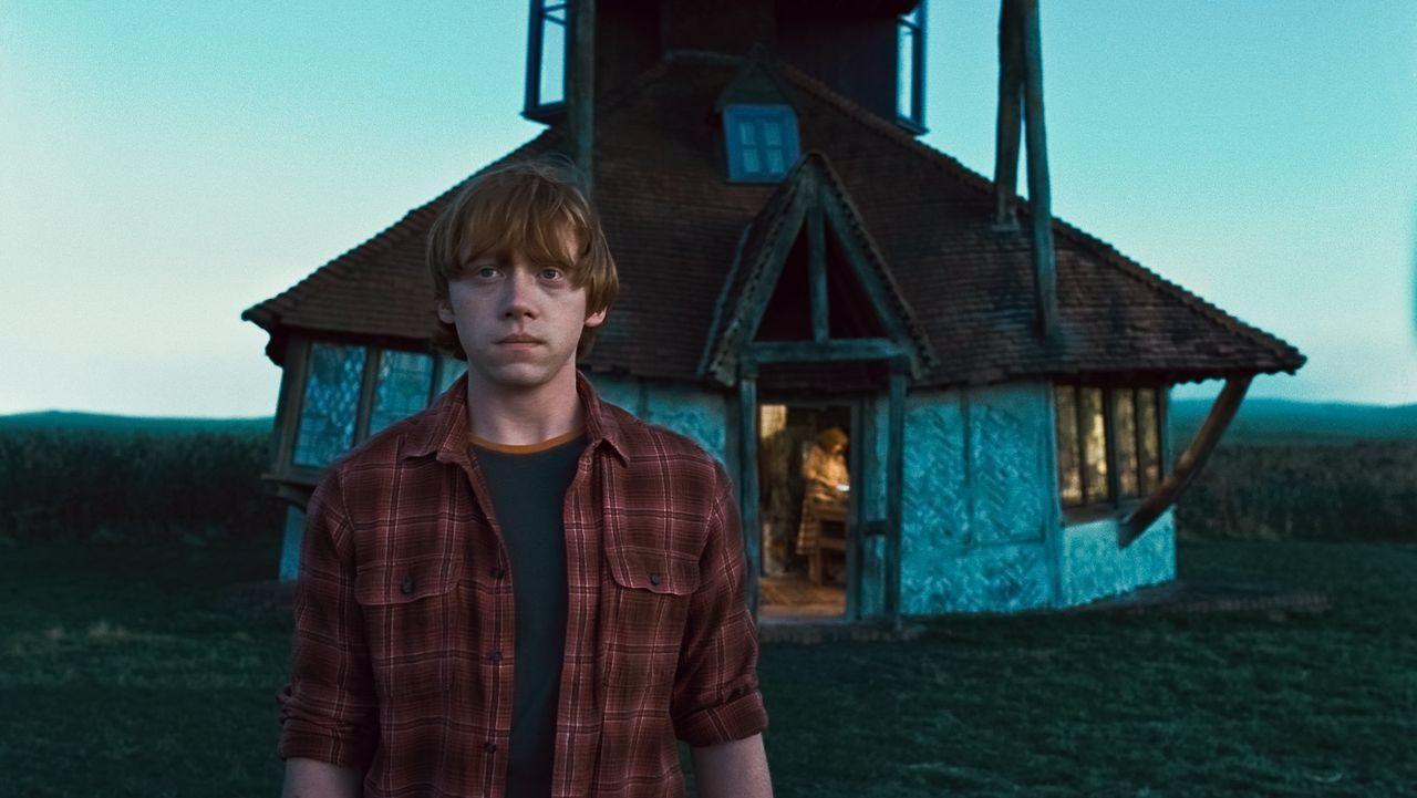 Dunkle Zeiten warten auf die Hexen- und die Muggelwelt und nicht nur Ron (Rupert Grint) muss im Kampf gegen Lord Voldemort einige Opfer bringen ... - Bildquelle: 2010 Warner Bros.