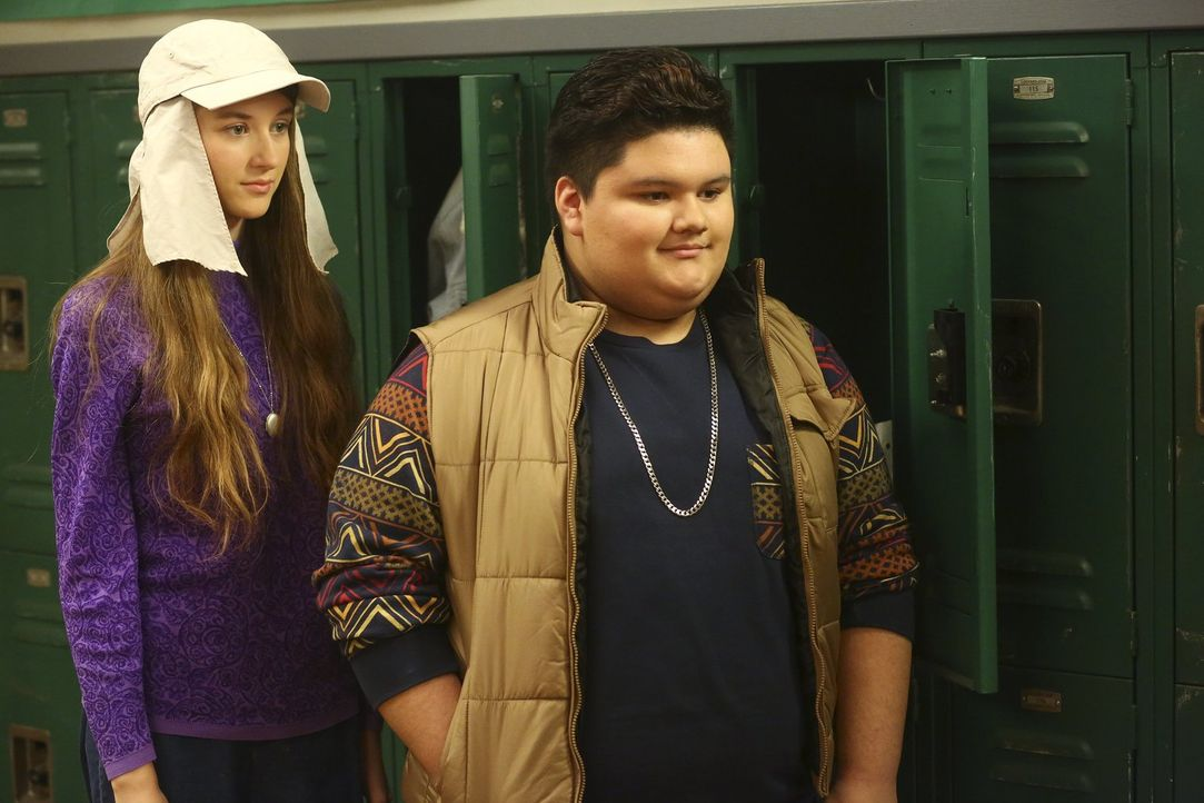 Cindy (Casey Burke, l.); Troy (Jovan Armand, r.) - Bildquelle: Warner Brothers
