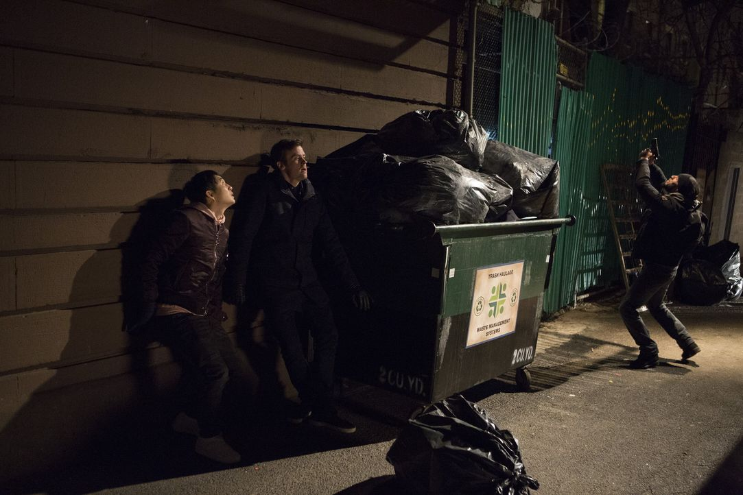 (v.l.n.r.) Jordan Kwon (Justin Chon); Cameron Black (Jack Cutmore-Scott); Alex Boyd (Danny Henriquez) - Bildquelle: Warner Bros.