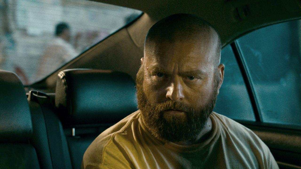 Trifft mal wieder eine Entscheidung, die für alle in einem riesigen Hangover und Blackout endet: Alan (Zach Galifianakis) ... - Bildquelle: Warner Brothers