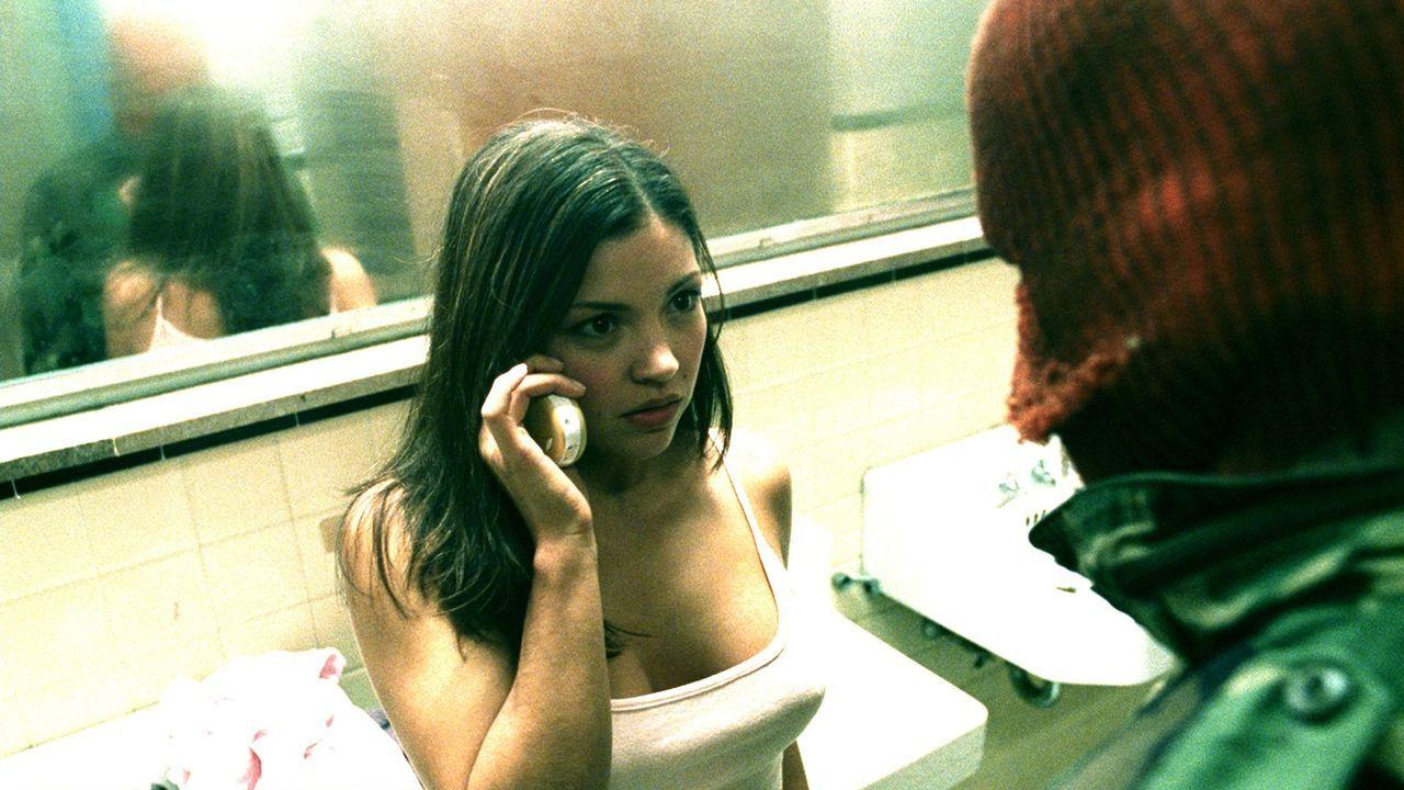 Eines Tages muss Mercedes (Sandra McCoy, l.) erleben, dass Lügen nicht immer kurze Beine haben, aber dafür ab und zu blutige Messer mit sich führen... - Bildquelle: Square One Entertainment