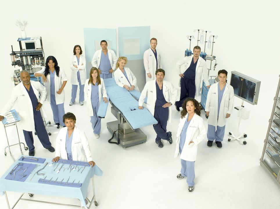 (5. Staffel) - Machen sie sich daran, den unberechenbaren Krankenhausalltag zu meistern: (v.l.n.r.) Dr. Richard Webber (James Pickens, Jr.), Dr. Cal... - Bildquelle: Bob D'Amico 2007 American Broadcasting Companies, Inc. All rights reserved. NO ARCHIVING. NO RESALE.