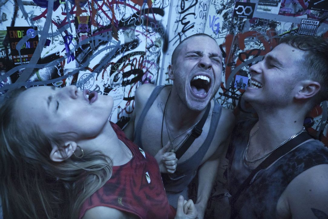 Eric (Jannik Schümann, Mitte) - Bildquelle: Stephanie Kulbach ProSieben / Stephanie Kulbach