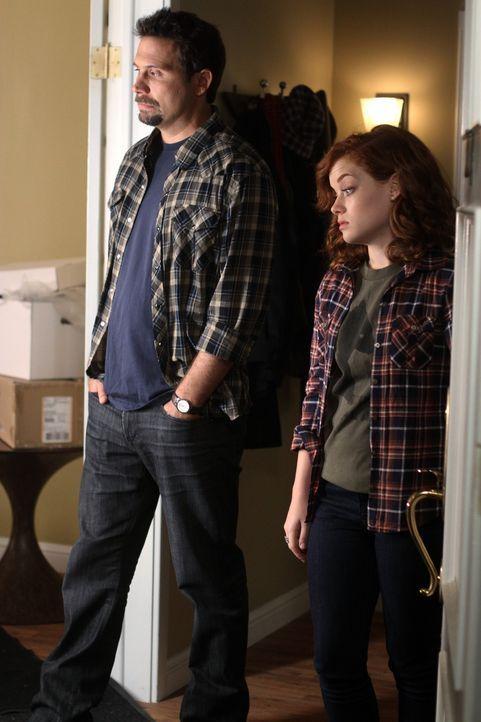 Müssen mit spontanem Besuch zurechtkommen: George (Jeremy Sisto, l.) und Tessa (Jane Levy, r.) ... - Bildquelle: Warner Bros. Television
