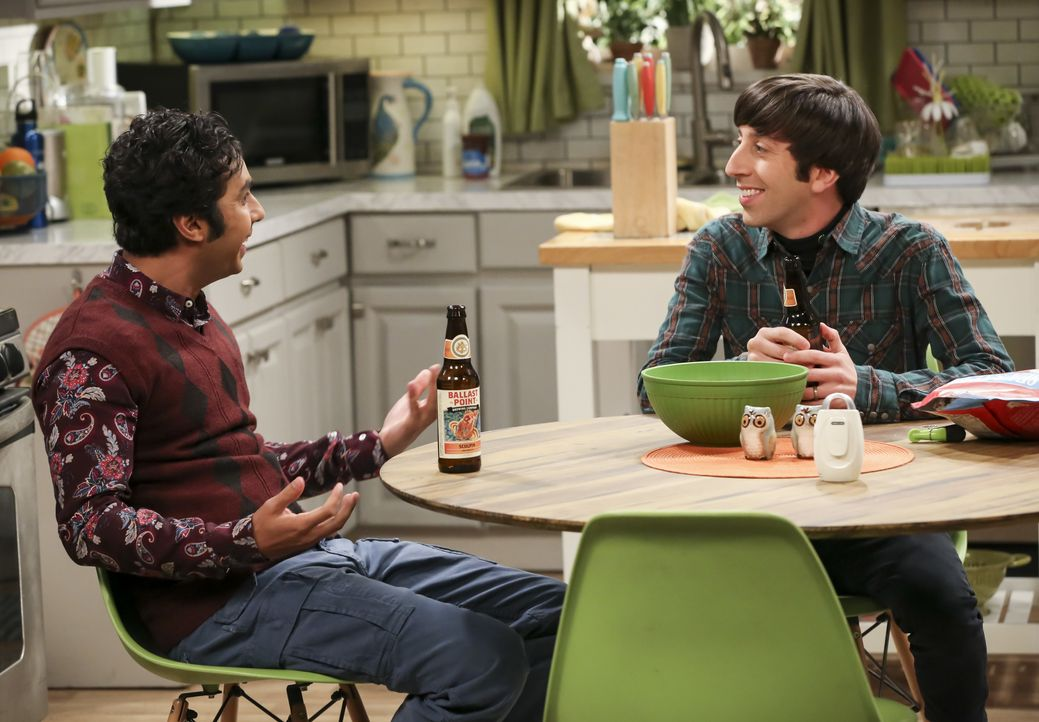 Raj Koothrappali (Kunal Nayyar, l.); Howard Wolowitz (Simon Helberg, r.) - Bildquelle: Michael Yarish 2019 WBEI. All rights reserved. / Michael Yarish