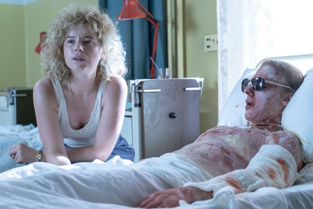 Ljudmila Ignatenko (Jessie Buckley, l.); Wassili Ignatenko (Adam Nagaitis, r.) - Bildquelle: Sky UK Ltd/HBO
